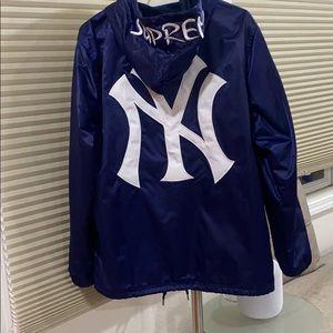 Supreme Jackets & Coats - Supreme Yankees Satin Hooded Jacket